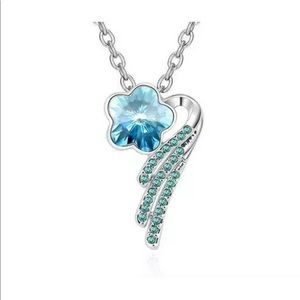 Silver necklace with blue flower stone, 1 wing